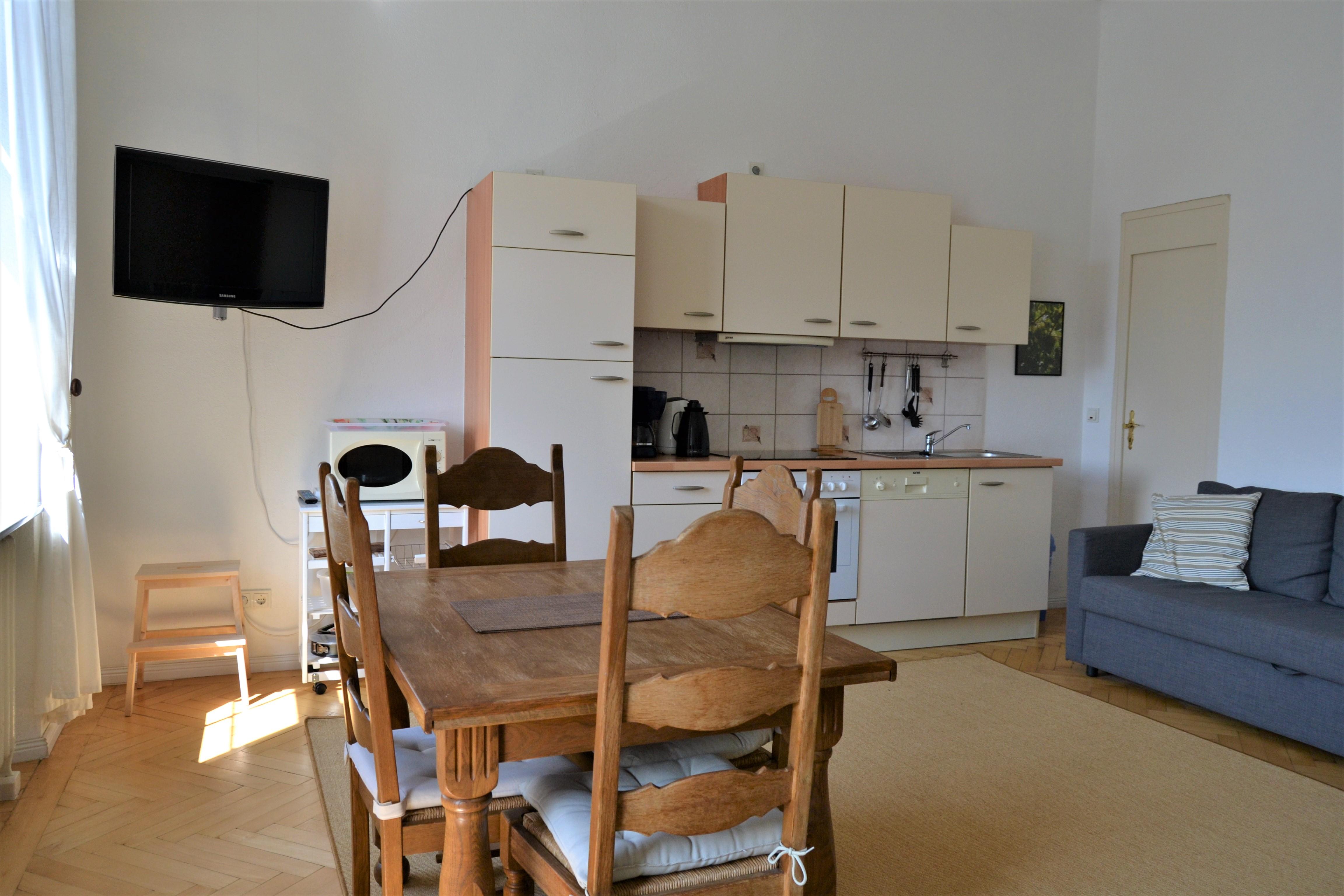FeWo Mosel - Küche u. Wohnbereich (2)